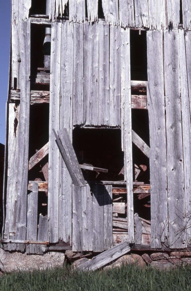 Old Shed with Missing Boards - Fuji Velvia 100 (RVP100) - Nikon F5
