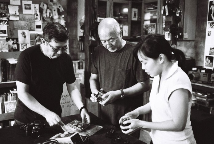 Jojo Colina, Bobit, and myself. Bobit trying to explain how stuff works ahahahha. Photo shot by Jed Calara (ILFORD HP5 PLUS)