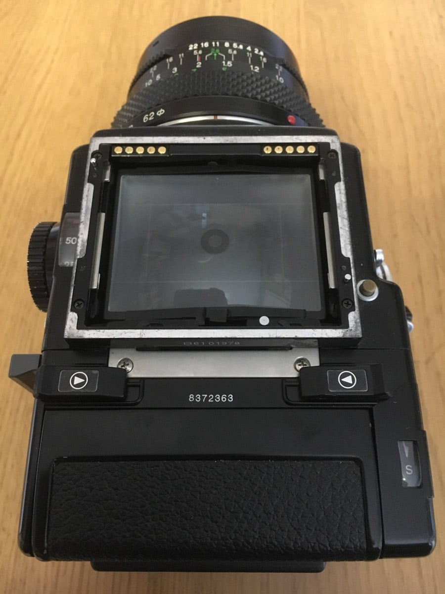 Bronica ETRS Review - Camera body top (electrical contacts)
