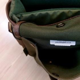 Billingham Hadley Small Pro - Dump pocket button closed 02