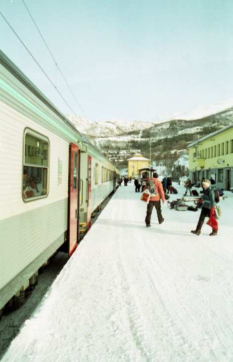 Taken at Narvik Station in 2018, this photo looks like it could have been taken in 1978