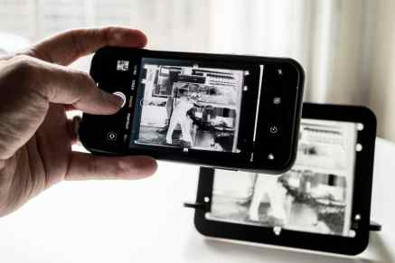 pixl-latr - Digitising 4x5 against the window