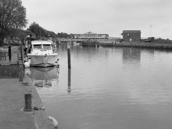 Reedham Swing Bridge, Reedham, Norfolk - ILFORD Delta 400 Professional, ILFORD ID-11, 1+1, 14mins, 68°F
