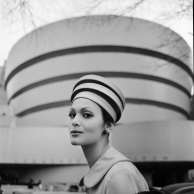 Tony Vaccaro - Guggenheim Hat - New York, 1960