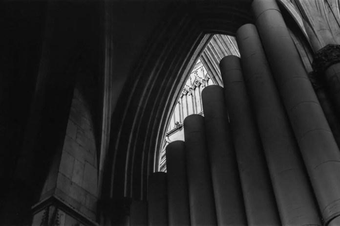 Rob J Davie - Looking to the light 01