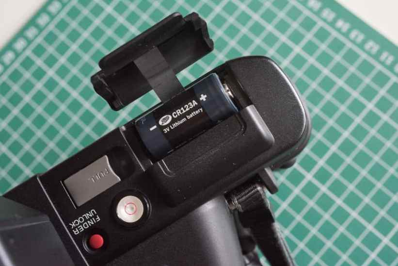 Fuji Panorama GX617 Camera Review - Battery compartment