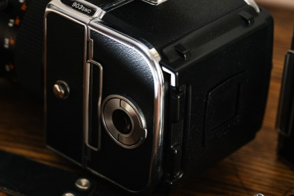 Hasselblad 903 SWC review - Film magazine mounted