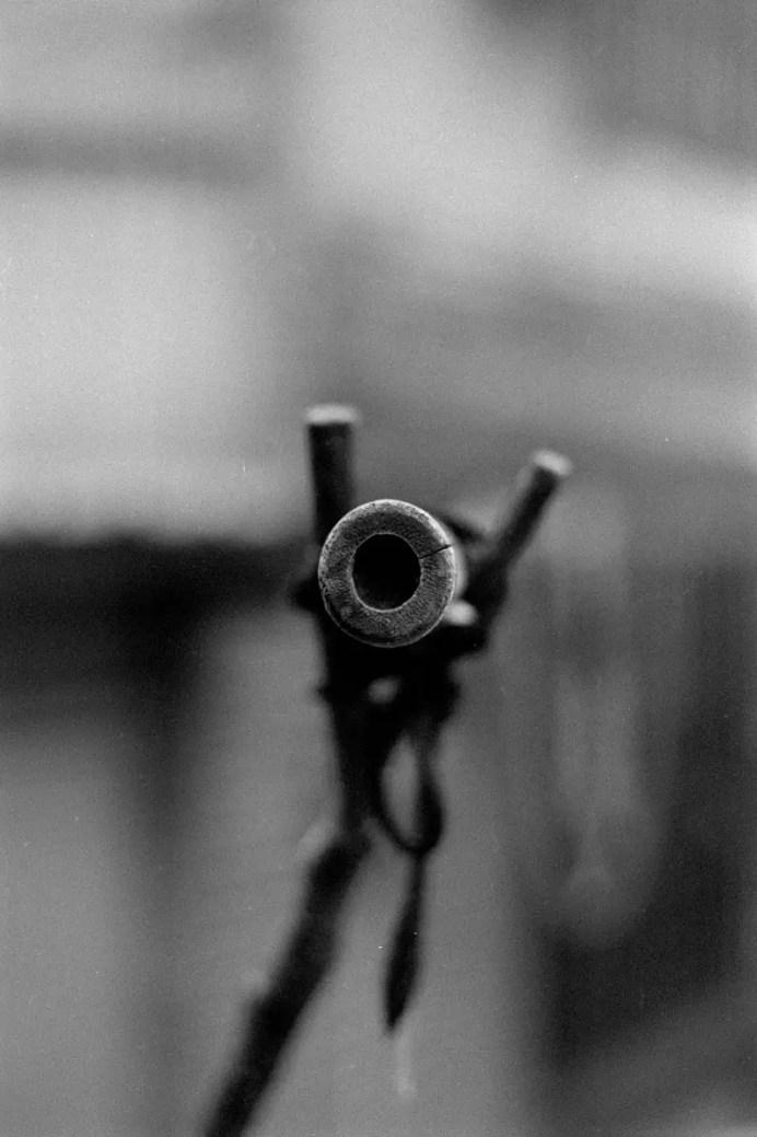 Y? - Shot on Oriental Seagull 100 at EI 200. Black and white negative film in 35mm format. Nikon F 100, Nikkor 50mm f/1.8 AF-D.