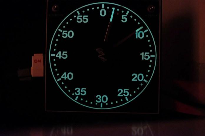 Budget darkroom - GraLab 300 Timer (glow in the dark!)