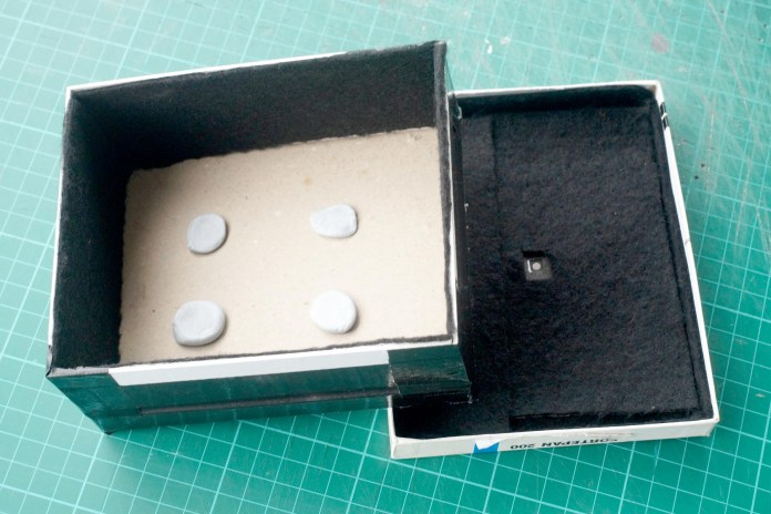 4x5 Pinhole build - Blu-tack film holder