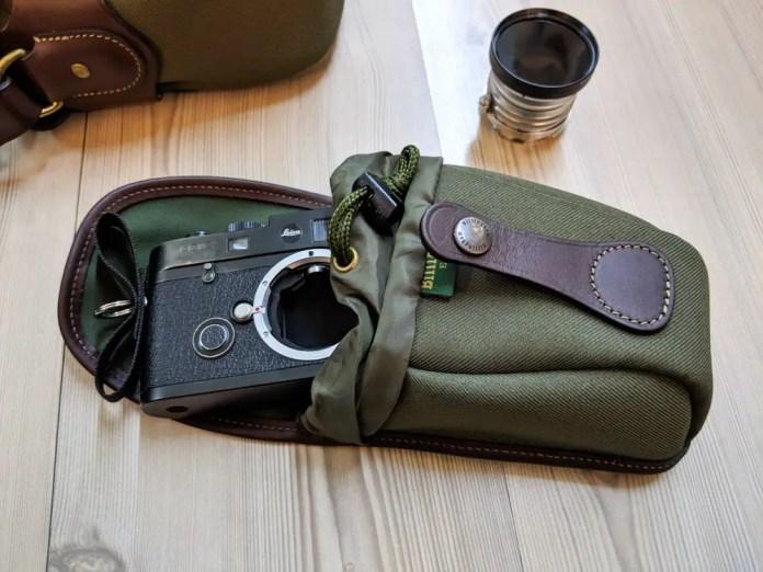 Billingham AVEA 7 end pocket (with Leica M6 TTL - open)