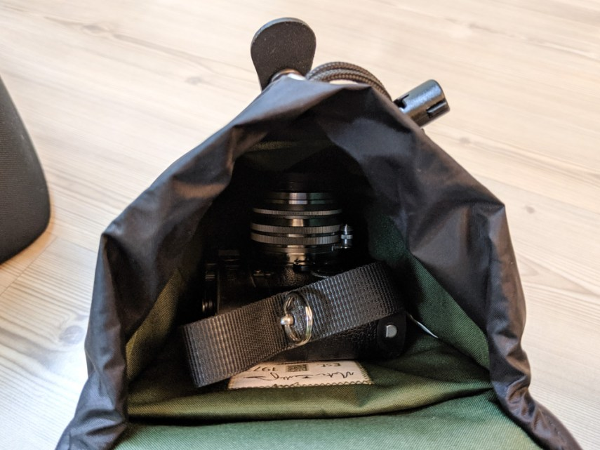 Billingham AVEA 8 end pocket (with Leica M6 TTL and Canon 50mm f/1.5 - open)
