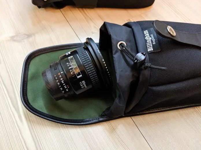 Billingham AVEA 8 end pocket (with Nikon Nikkor 85mm f/1.8 AF-D lens - open)