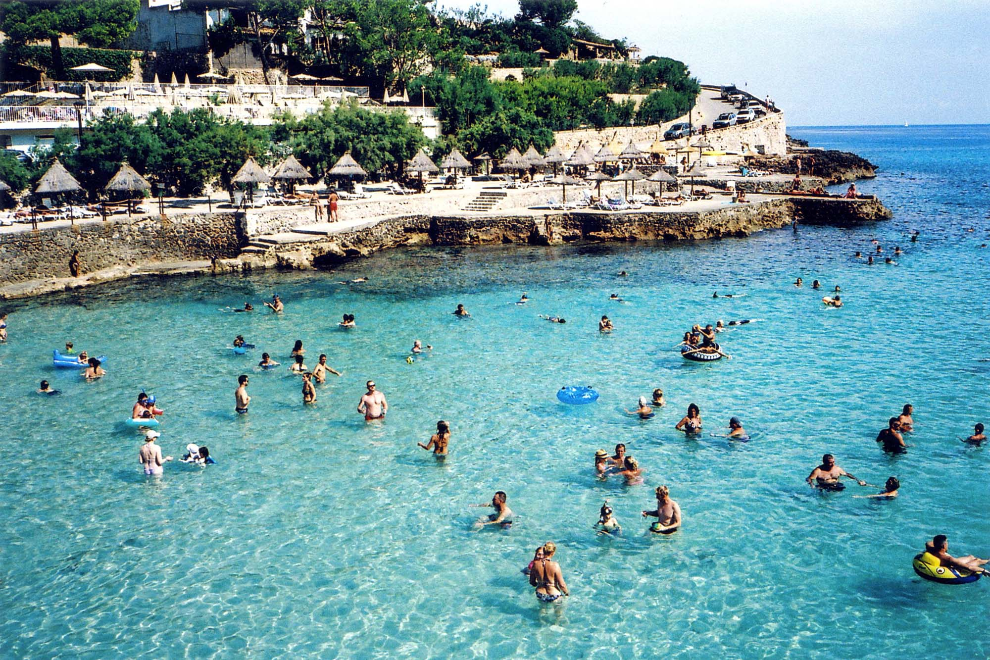 Contax T3 - Majorca Beach Scene