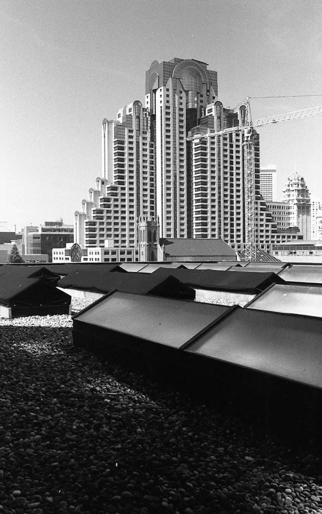5 Frames With... Kodak Tri-X 400 (35mm / EI 400 / Nikon FM 2) - by Mitch Walker Jr