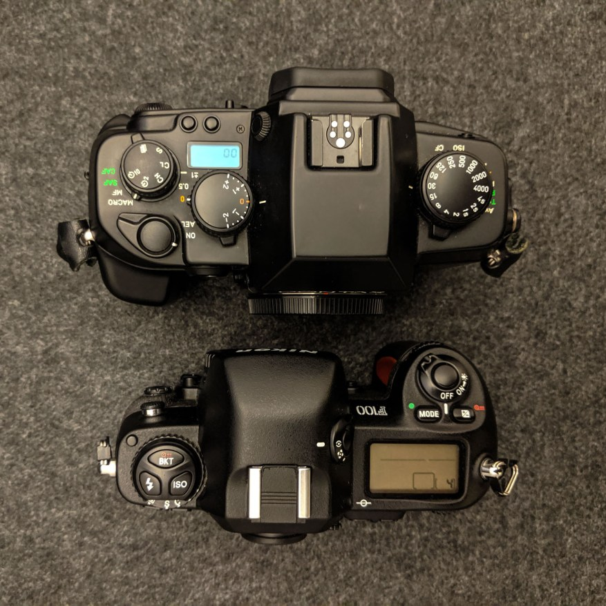 CONTAX AX vs Nikon F100