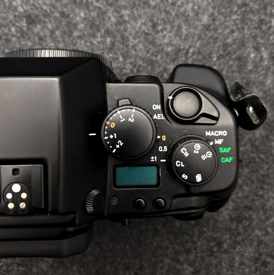 CONTAX AX - Top plate (right)
