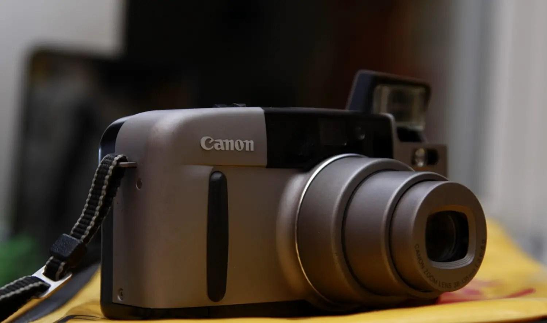 Canon SURE SHOT Z135 - Front left