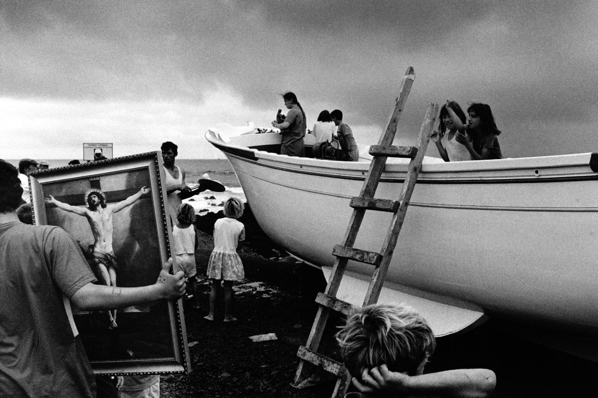 Christening of an artisan fishing boat - ILFORD HP5 PLUS, Olympus OM-4 Ti, São Miguel Island, Azores, 1998
