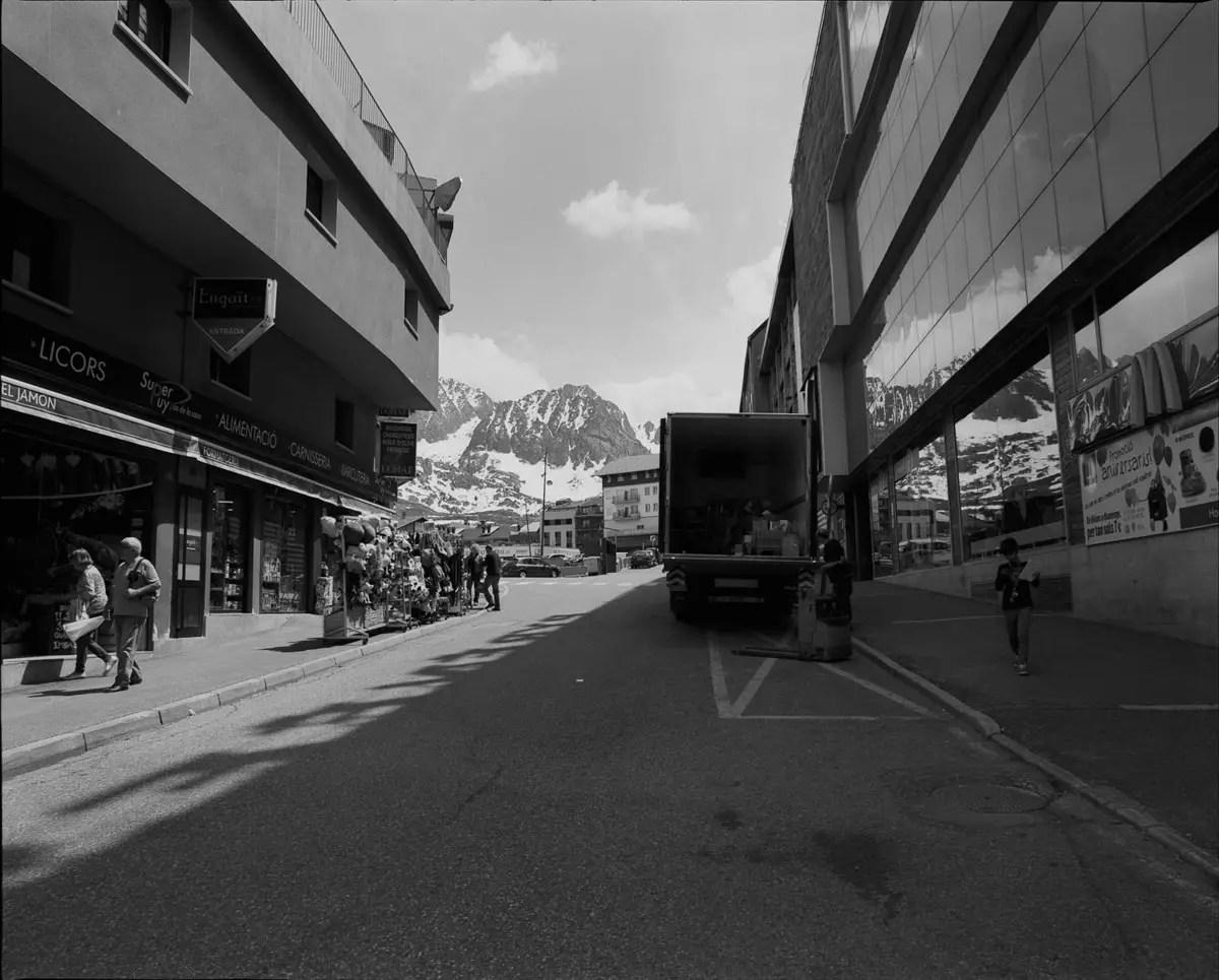 Mamiya RZ67 Professional - 50mm, Kodak Tri-X 400, Pas de la Casa (Andorra)