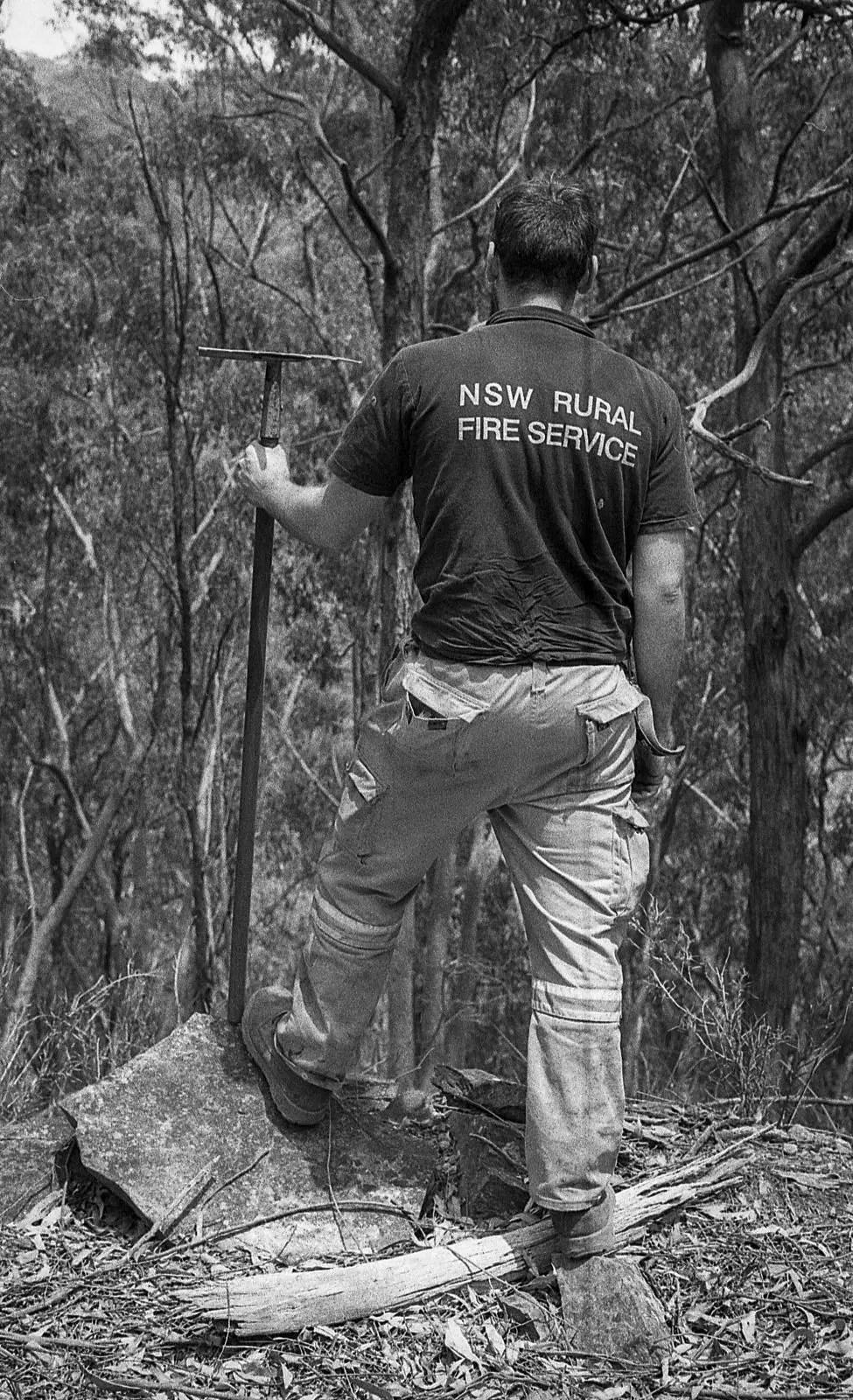 """The Australian NSW bushfires on film - """"Fun Lachie"""" - Olympus OM-2n, 50mm F/1.8, ILFORD HP5 PLUS at EI 800"""