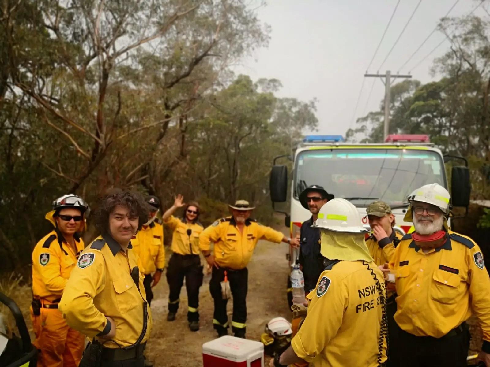 The Australian NSW bushfires on film - The crew on break