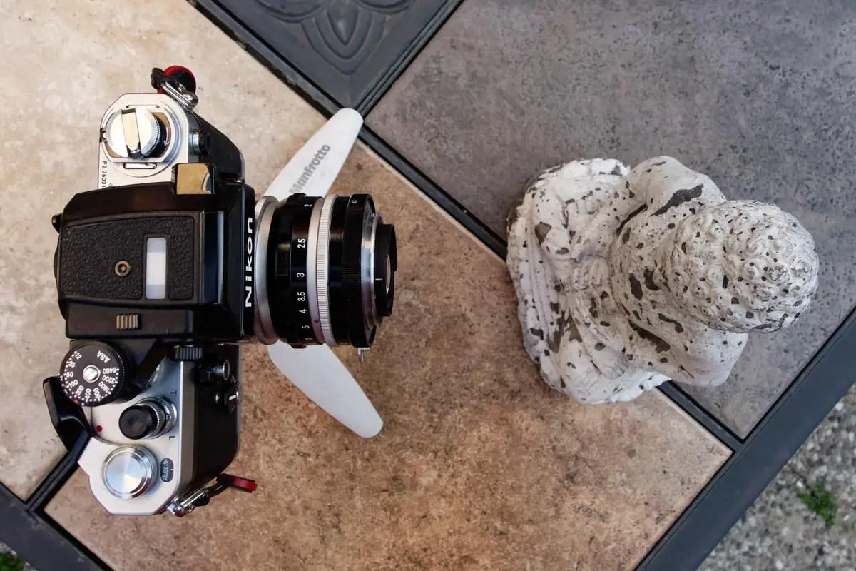 Nikkor 50mm f/2 focus distance