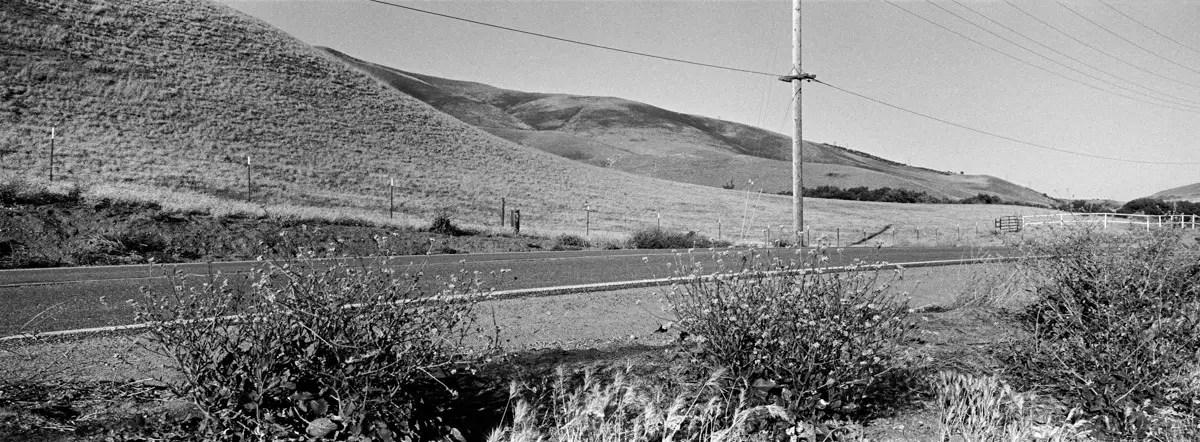 Gorman Post Road Wayside, Gorman, California, May 2016 (Psycho, 1960). Hasselblad Xpan, Fujinon 45mm/f4, Kodak Tri-X Pan 400 print film, N+1, f/16@1/125 sec, developed in Agfa Rodinal 1:25 with sodium sulfite. Photo by Robert Jones, Copyright © Middlebrow Books, L.L.C., 2019. All Rights Reserved.