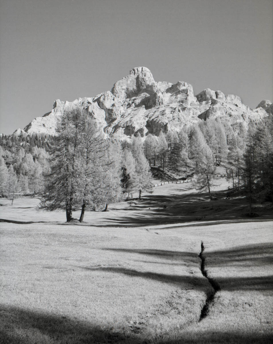 5 Frames... Of the Dolomites on ILFORD Delta 100 Professional (EI 400 / 120 format / Bronica RF645) - by Massimo Ruggera