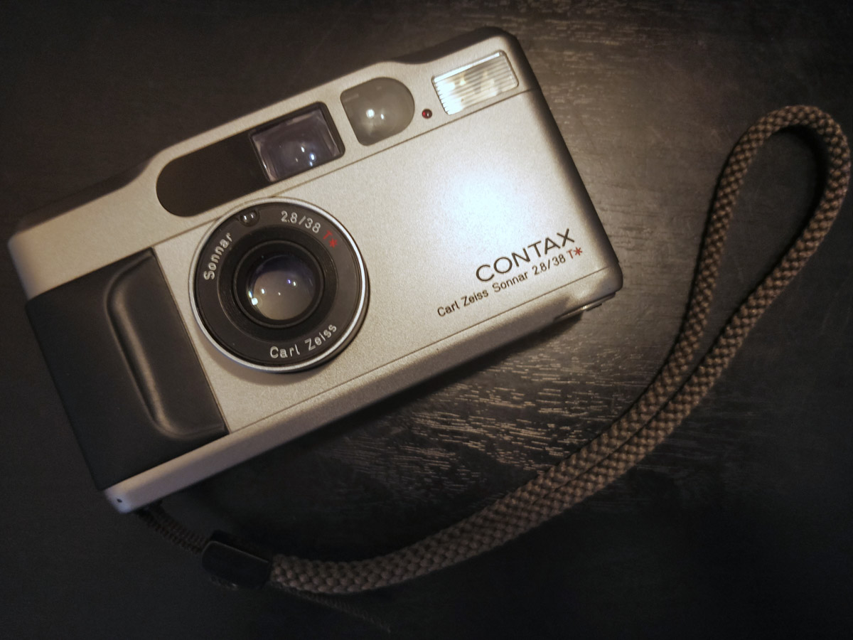 Contax T2 - Jonathan Lin