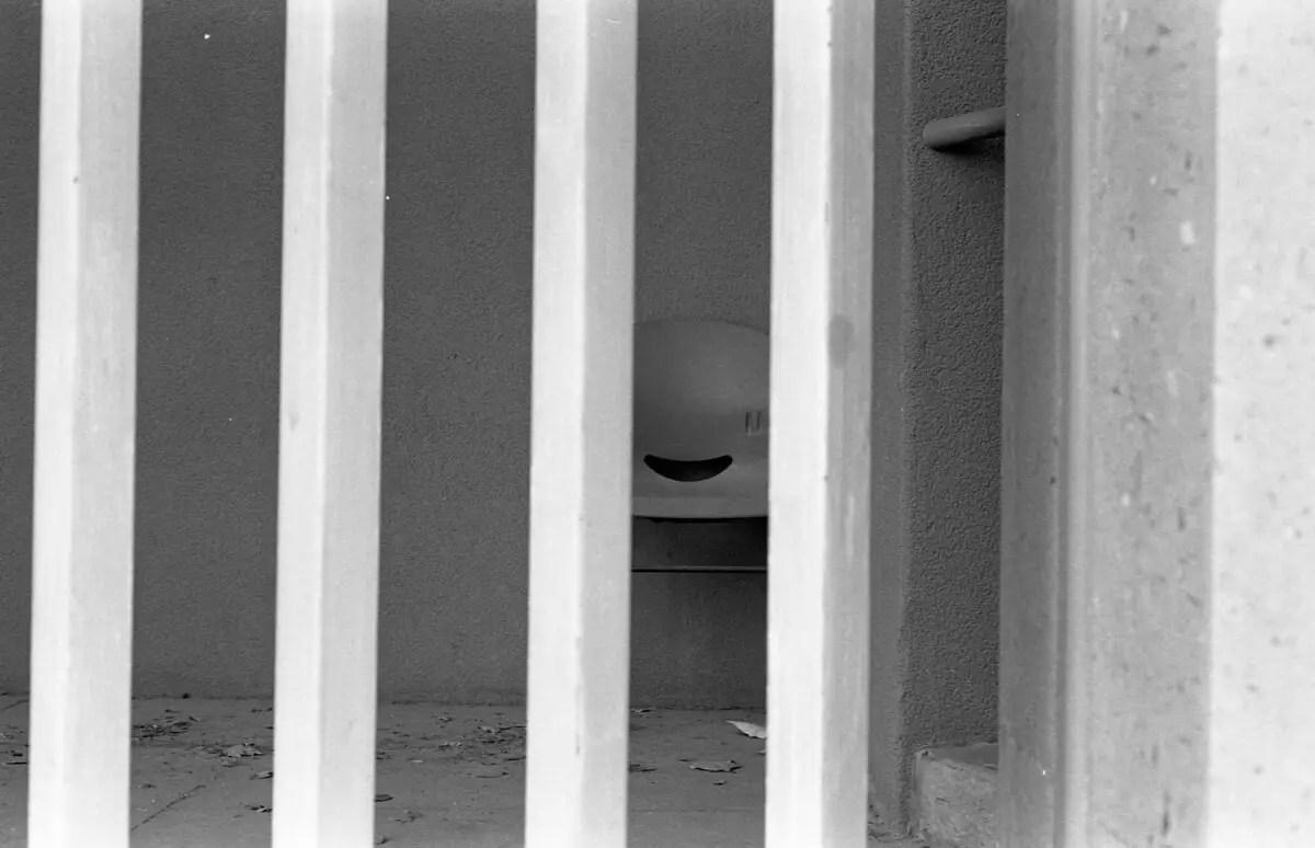 5 Frames... On Kodak Eastman Double-X 5222 (EI 250 - 35mm format - Nikon FE2) - by Jor-El T