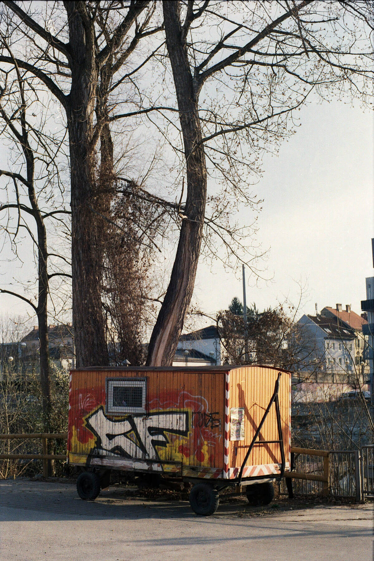 Graz on lockdown with snapped film- Kodak ColorPlus 200 and Olympus OM-1 with Zuiko 55mm f/1.2
