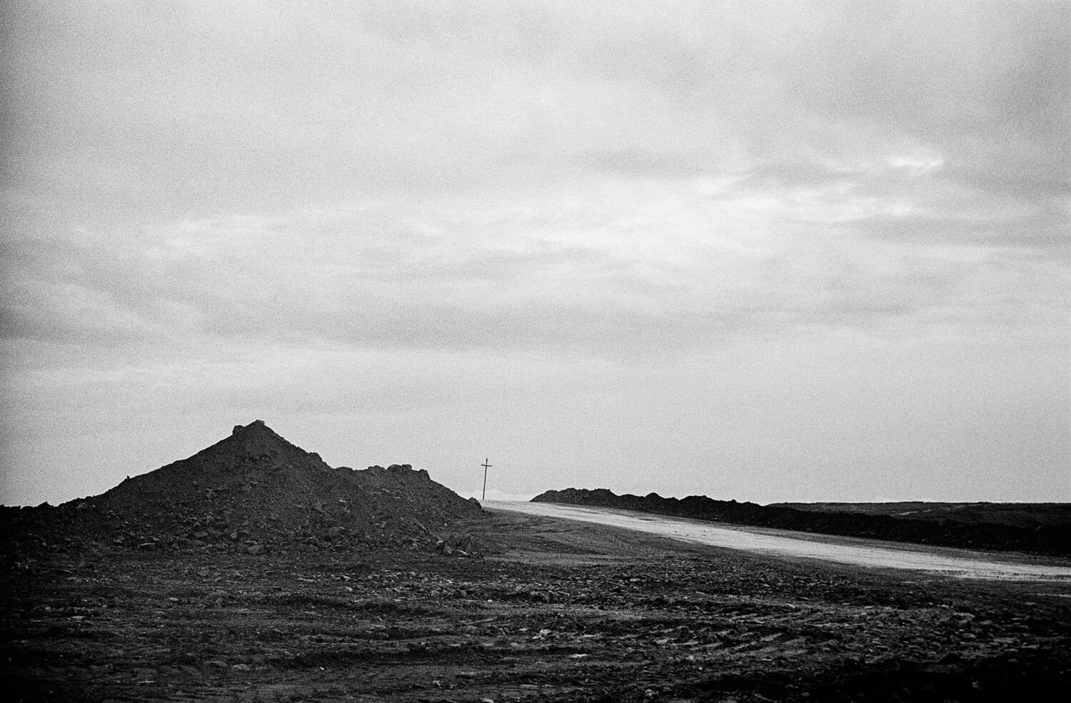 5 Frames... Of alien landscapes in Murmanskaya state on a Leica M7 and Voigtlander Ultron 21mm f/1.8 (EI 400 / 35mm format / ILFORD HP5 PLUS) - by Alex Kulikov