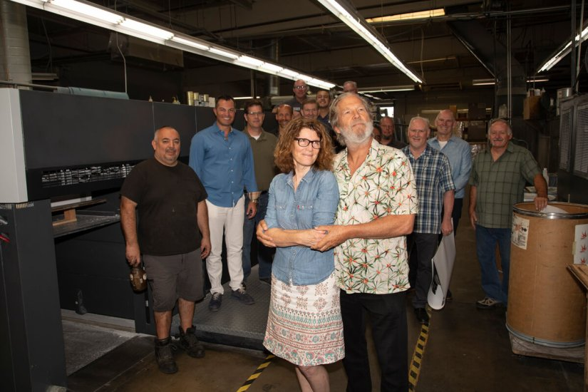 """Front row: Jana Anderson, Jeff Bridges.  Jeff posed everyone for this photo at the press check, calling it """"the prom pose.""""   Photo by Scott Matthews Photography"""