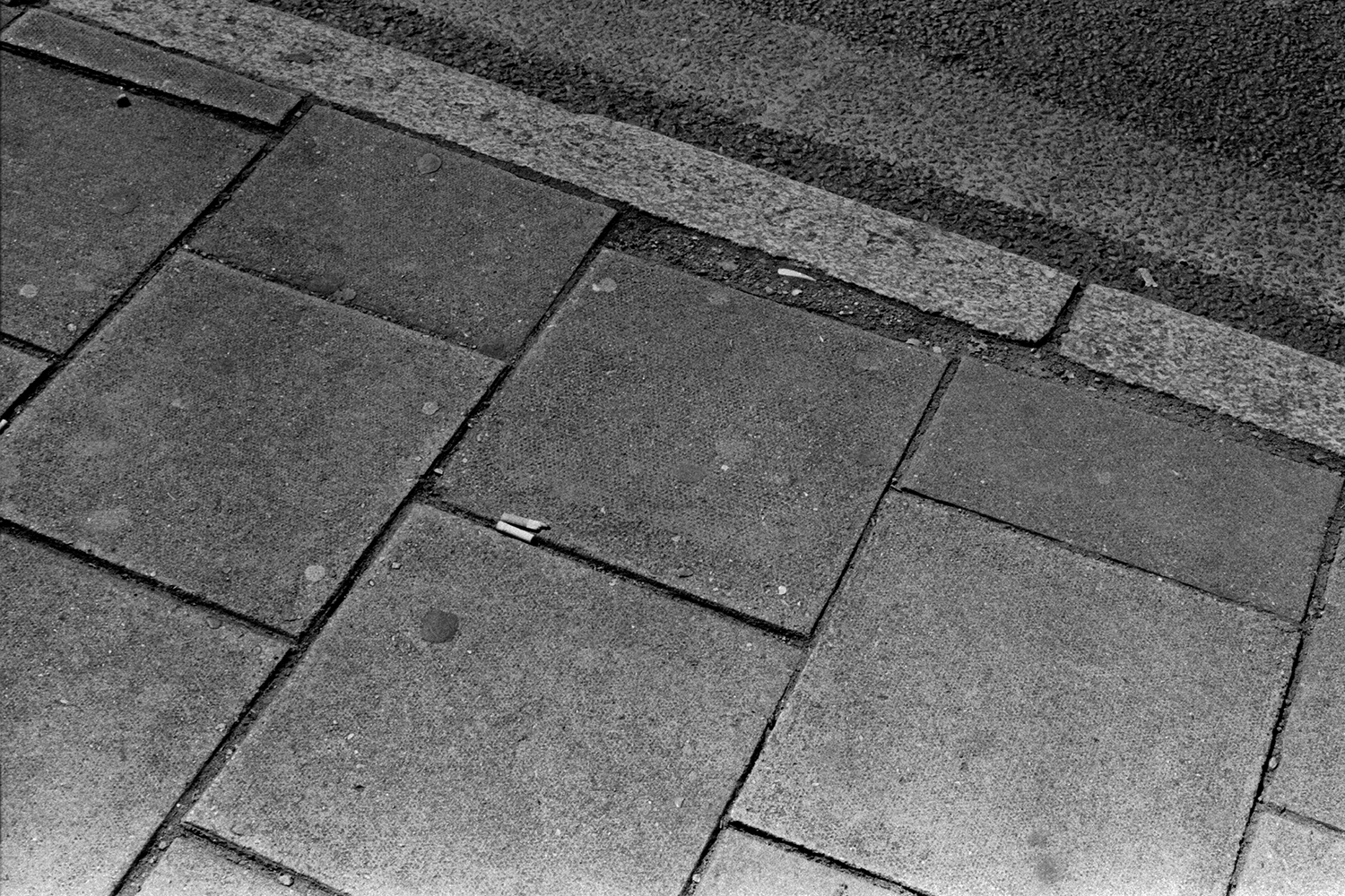 5 Frames... Of stand developed ILFORD HP5 PLUS in DD-X at 30°c - by Simon King