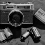 5 Frames… From a walk around Cape Pond, Massachusetts on Kodak Tri-X 400 (35mm Format / EI 400 / Yashica Electro 35 GSN) – by Bob Harrison