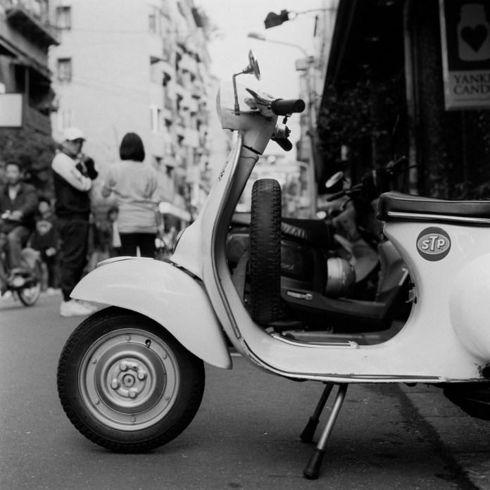 STP - Shanghai GP3 100 shot at EI 200. Black and white negative film in 120 format shot as 6x6.