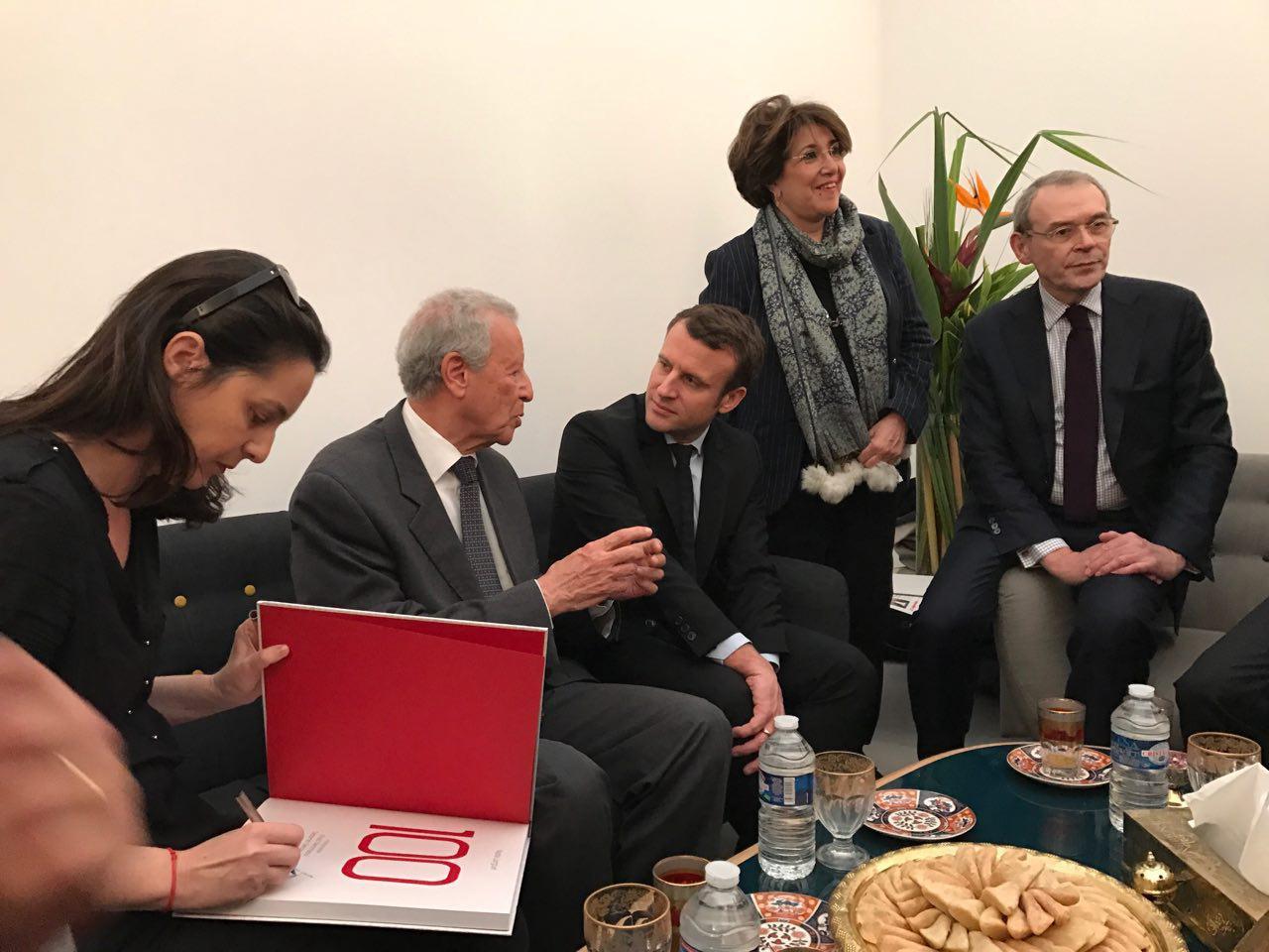 Emmanuel Macron au 37me Salon du Livre de Paris  La Rpublique En Marche