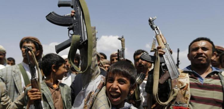 Houthi-Saleh militias forcibly displace 117 families west of Taiz