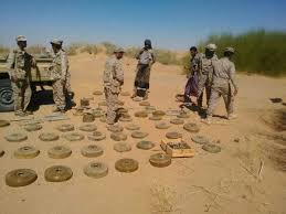 Engineers dismantle three fields of landmines in Shabwa