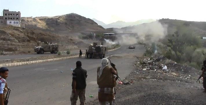 Battles continue, over 33 militiamen killed, injured in Taiz