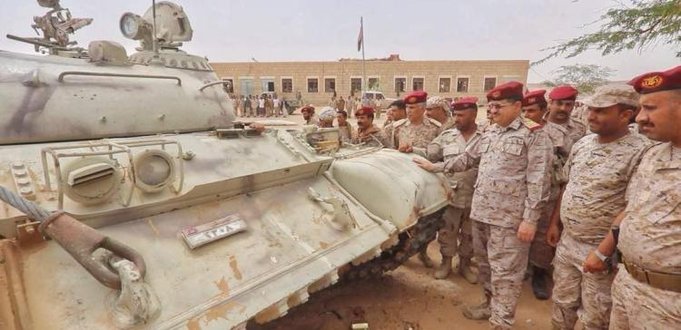 Lt. Gen. Al-Maqdashi inspects troops' readiness in Dhamar Axis