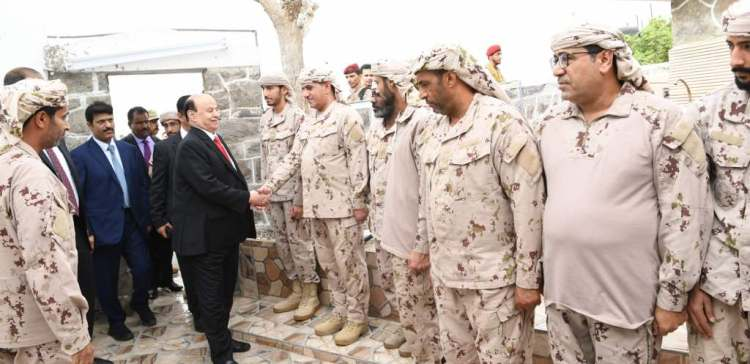 President Hadi inspects Saudi, Emirati military units in Al-Ma'ashiq Palace