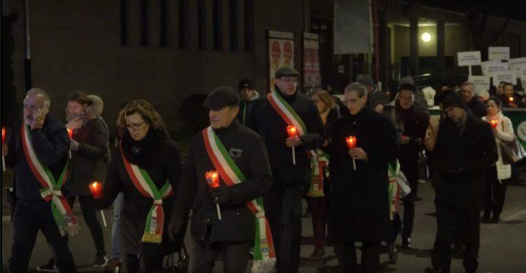 The municipal representatives led the procession