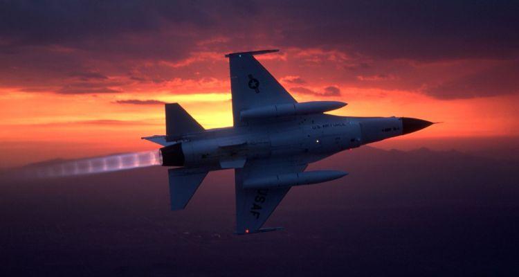 Lockheed Martin F-16 Figthning Falcon