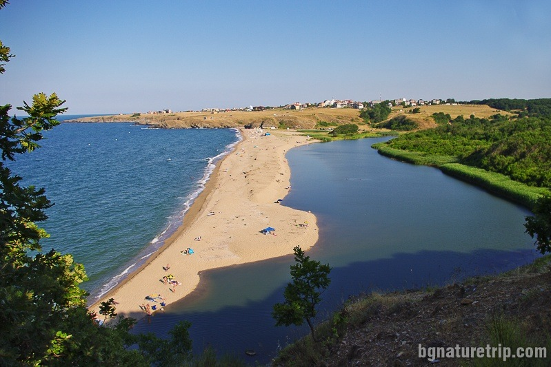 The mouth of Veleka River photographed by the northern side, SInemorets