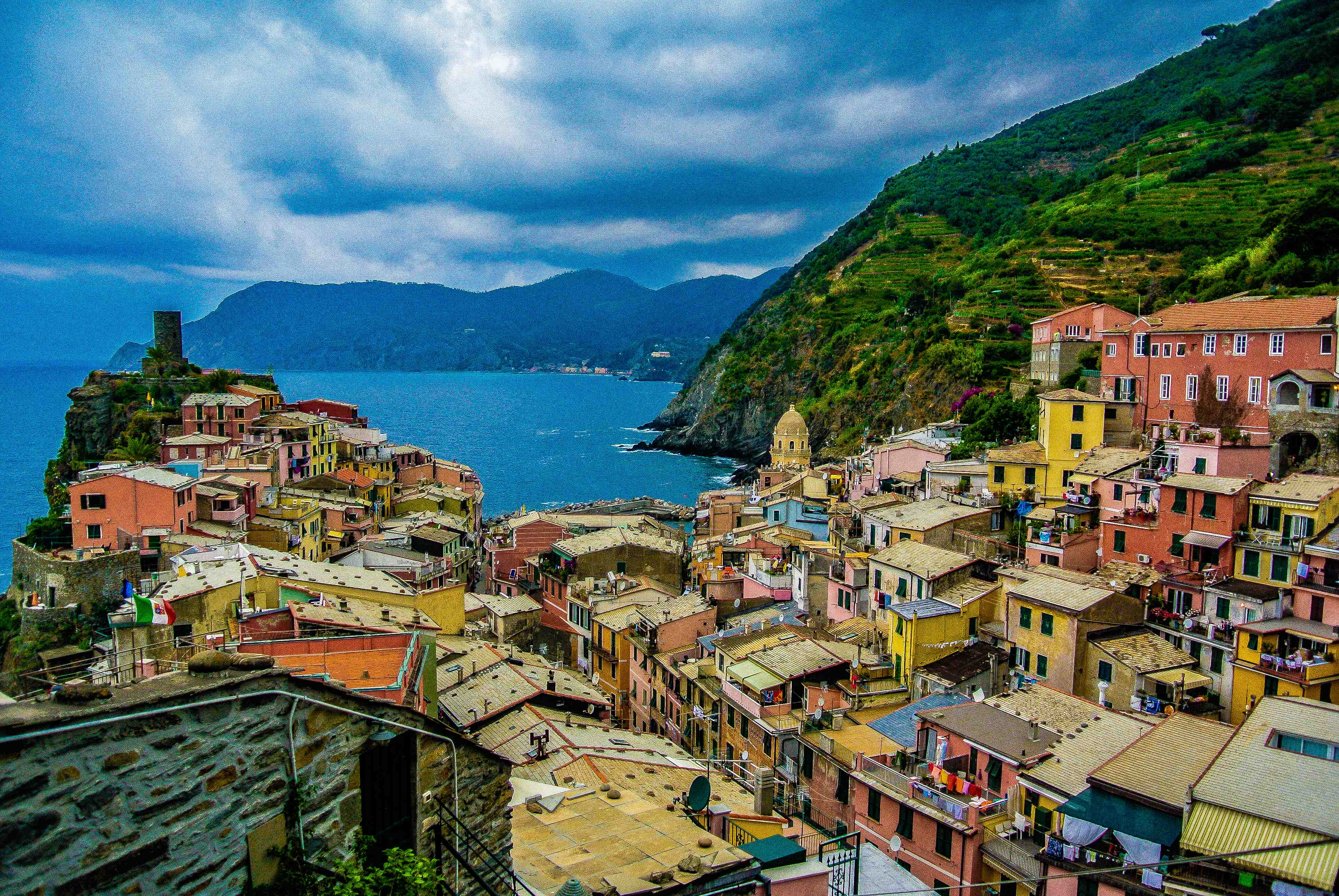 Cinque Terre, by eTravelog, was one of 803 entries to a recent photo challenge