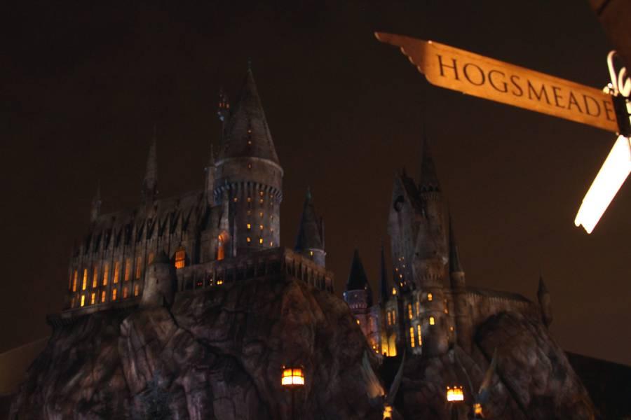 Hogwarts Castle: Universal Studios Hollywood (image via Prayitno, Flickr)