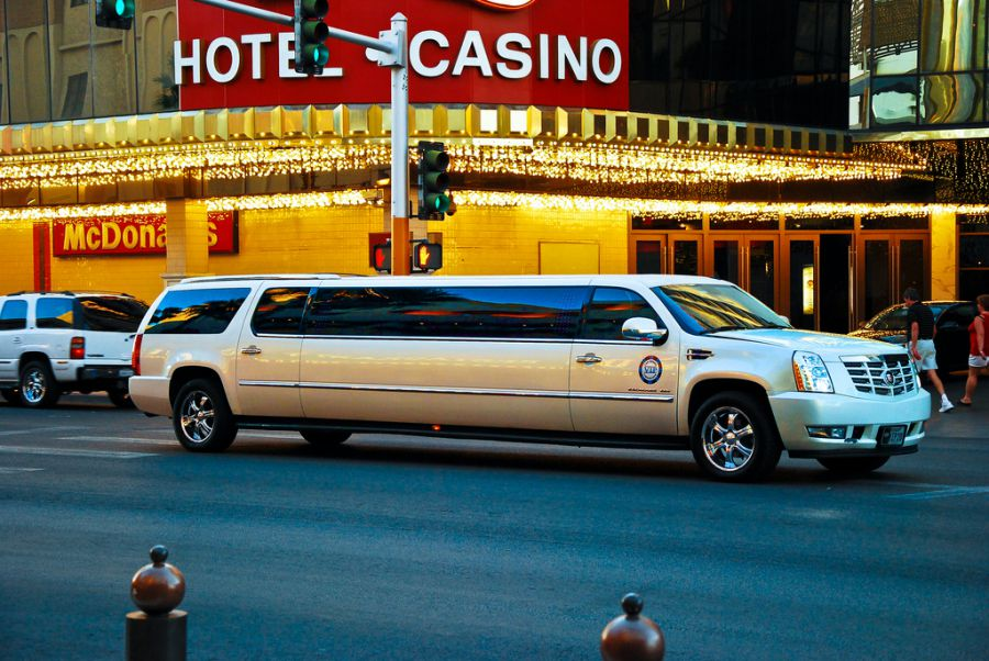 Travel in style and comfort in a limo! (image via Tomás Del Coro, Flickr)
