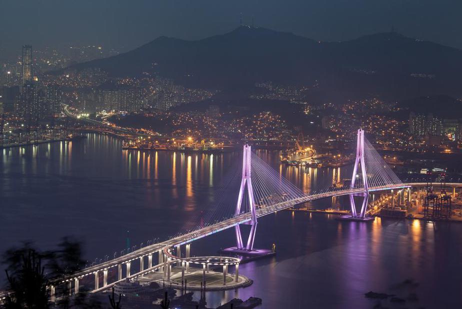 Busan, Korea: Night Bus City Tour